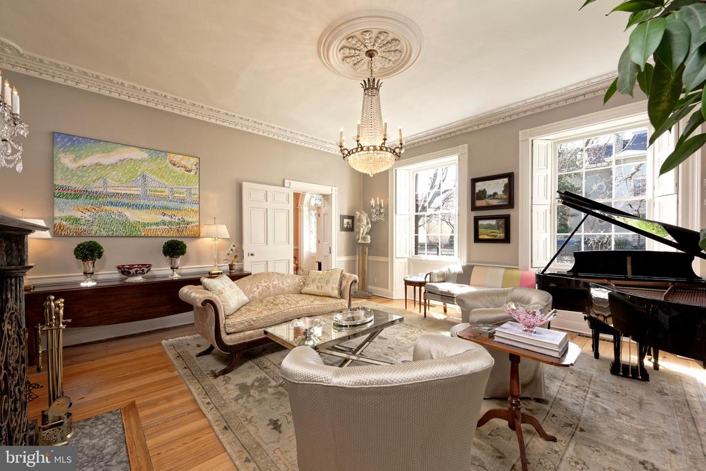 Spacious LR for large parties or family gatherings - 711 PRINCE ST, ALEXANDRIA