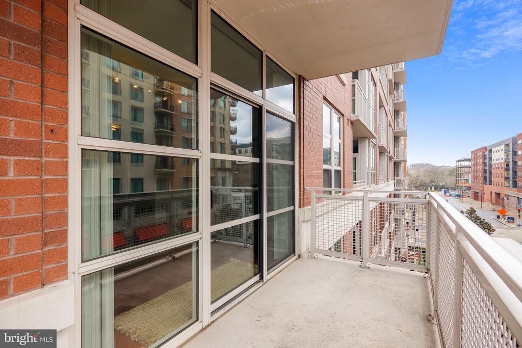Large Balcony - 157 FLEET ST #413, NATIONAL HARBOR