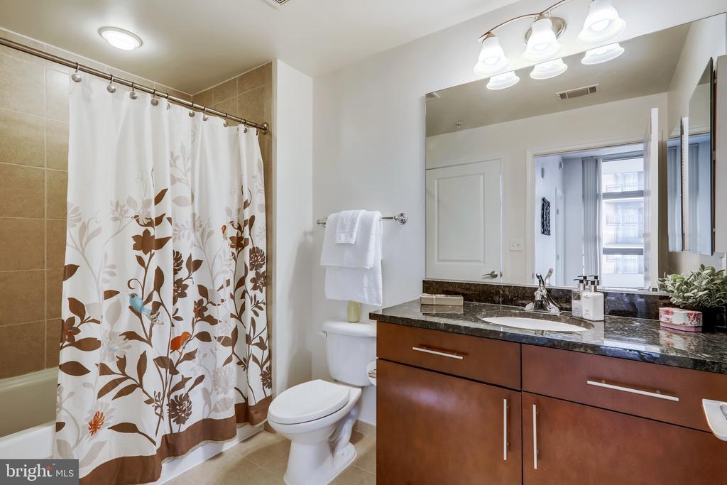 Large Full Bath - 157 FLEET ST #413, NATIONAL HARBOR