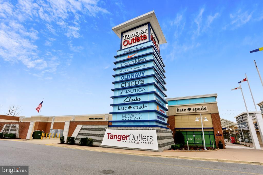 Tanger Outlets - 157 FLEET ST #413, NATIONAL HARBOR