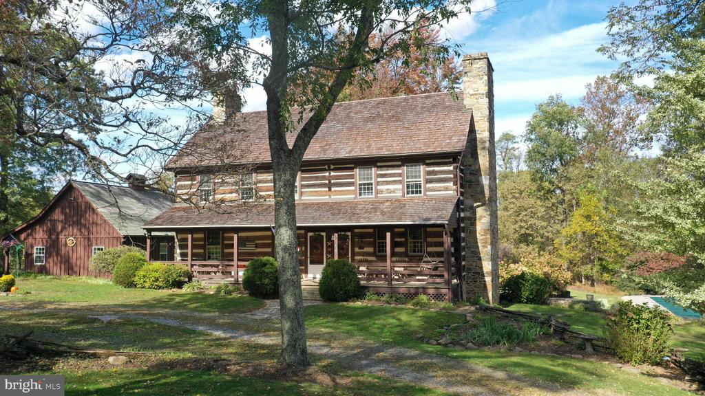 Gorgeous setting just outside of Lincoln - 37670 CHAPPELLE HILL RD, PURCELLVILLE