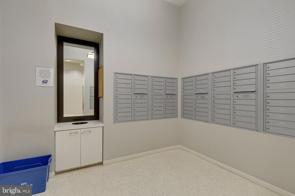 Mail Room - 157 FLEET ST #413, NATIONAL HARBOR
