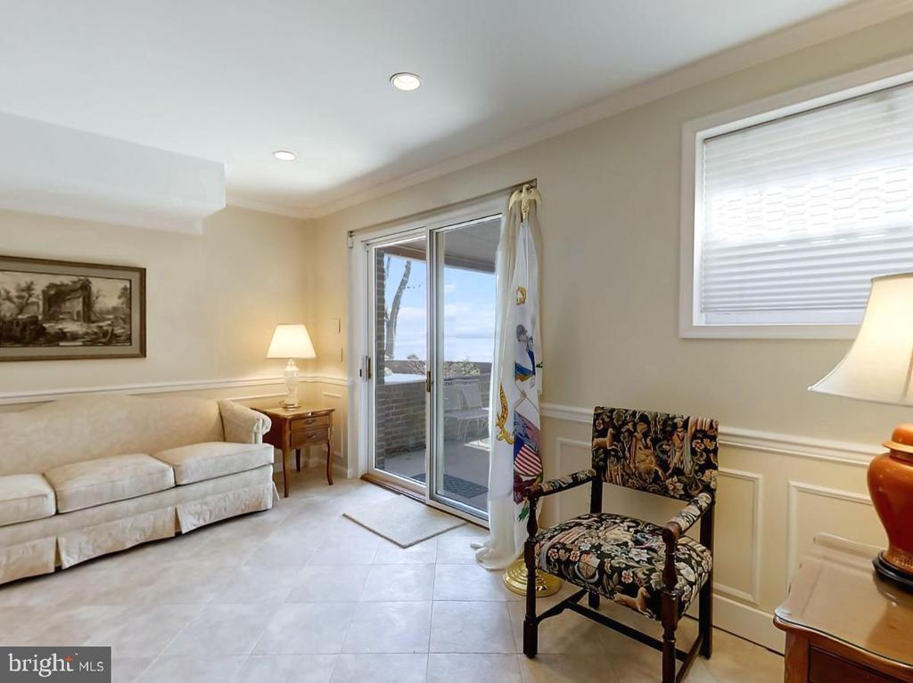 Lower lvl has walk out, and 2 large storage rooms - 3903 BELLE RIVE TER, ALEXANDRIA