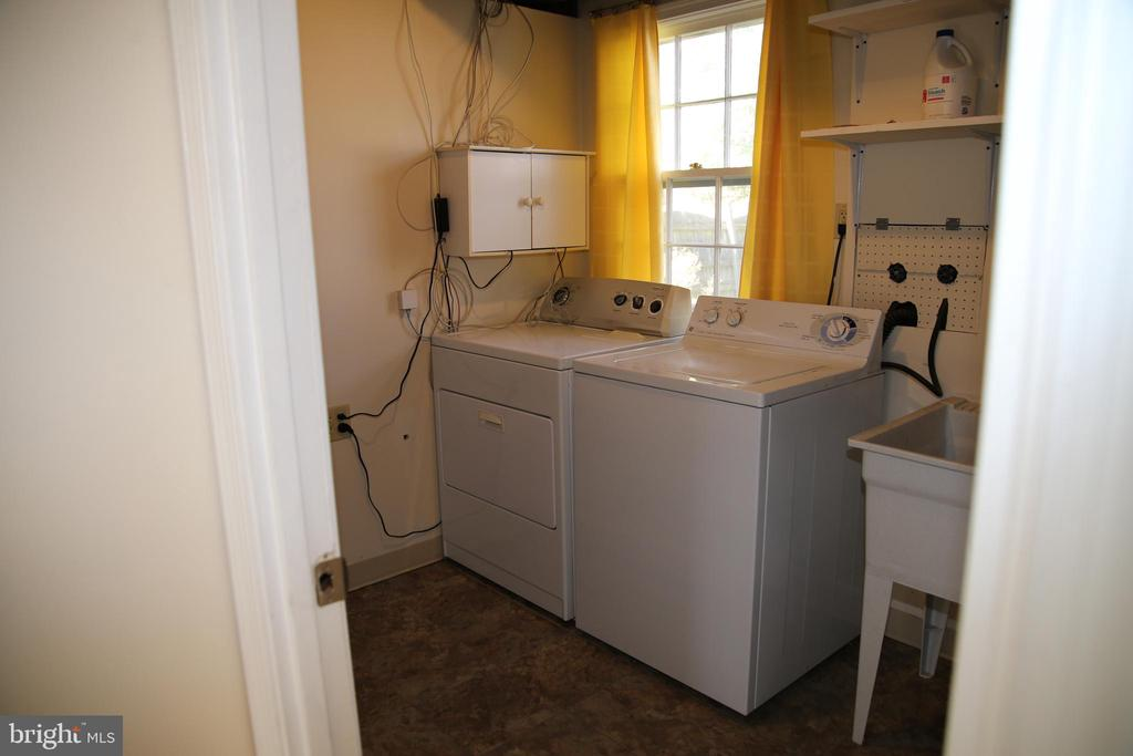Laundry-lower level - 8002 LAKE PLEASANT DR, SPRINGFIELD