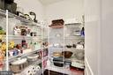 Walk in pantry - 10286 GREENSPIRE DR, OAKTON