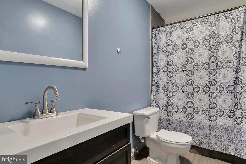 Basement Level Full Bath - 47661 PENNRUN WAY, STERLING