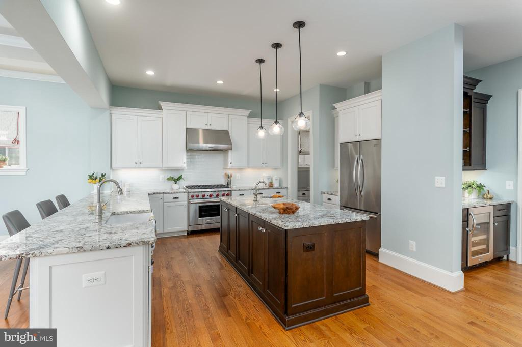 Gourmet Kitchen with Stainless Steel Appliances - 3179 17TH ST N, ARLINGTON