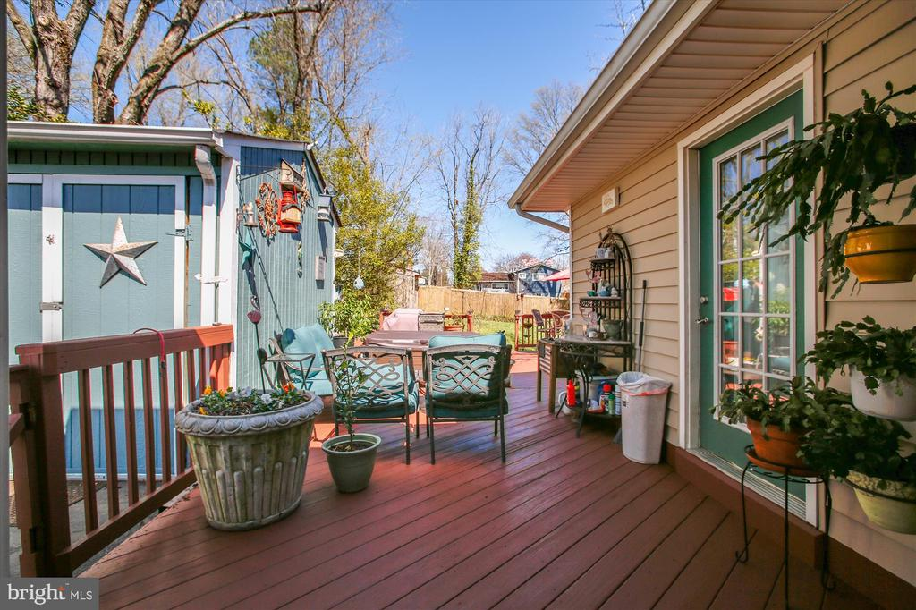 Deck and Shed - 3606 COLONY RD, FAIRFAX