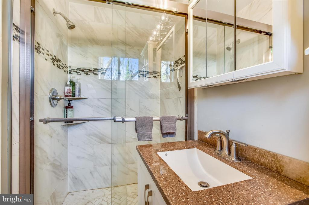 Master Bathroom - 3606 COLONY RD, FAIRFAX