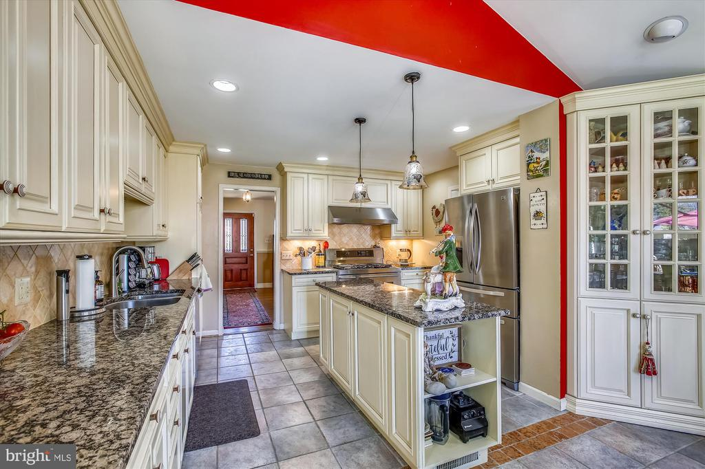 Kitchen - 3606 COLONY RD, FAIRFAX