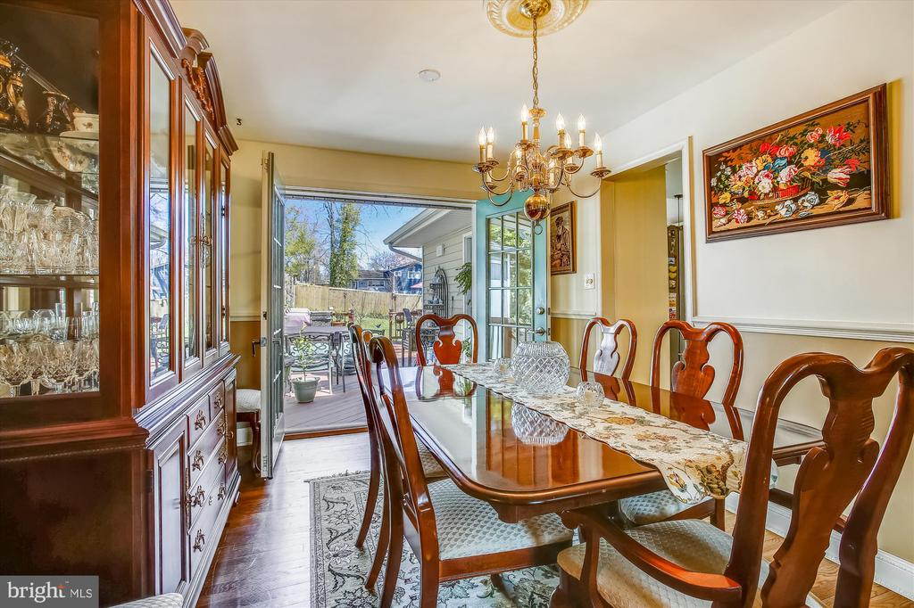 Dining Room with Double French Doors - 3606 COLONY RD, FAIRFAX