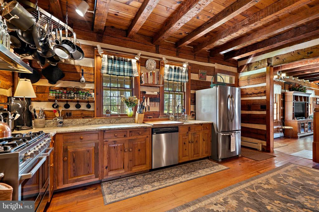 Gorgeous kitchen - 37670 CHAPPELLE HILL RD, PURCELLVILLE