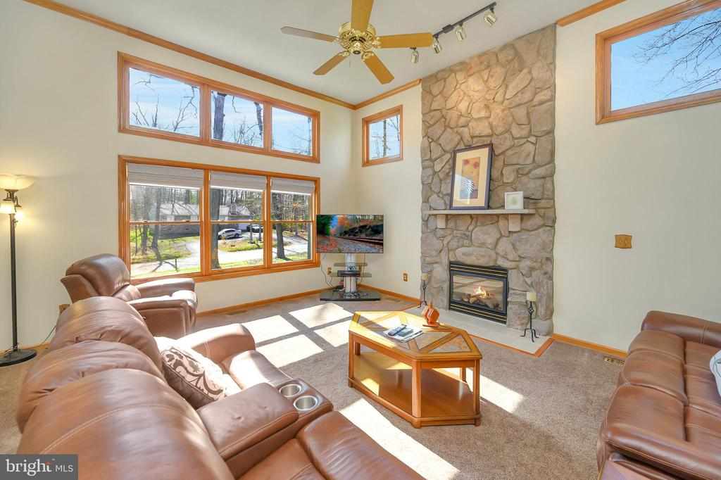 Wonderful Stone Fireplace with Mantel - 1106 LAKEVIEW PKWY, LOCUST GROVE