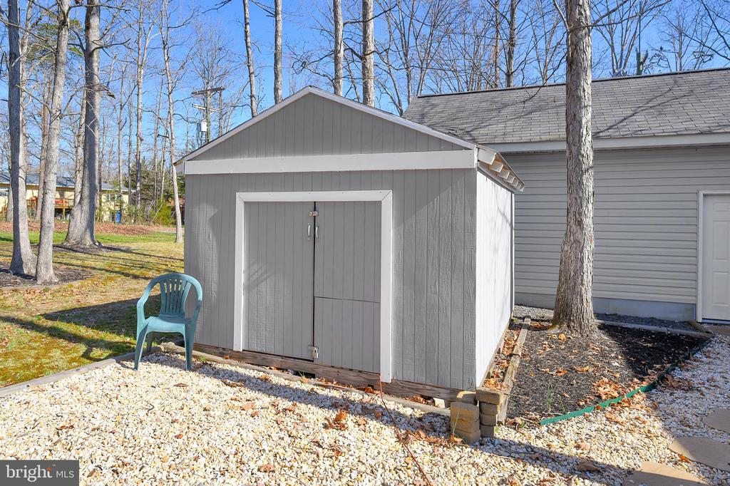 So much storage in the house! Additional Shed too! - 1106 LAKEVIEW PKWY, LOCUST GROVE