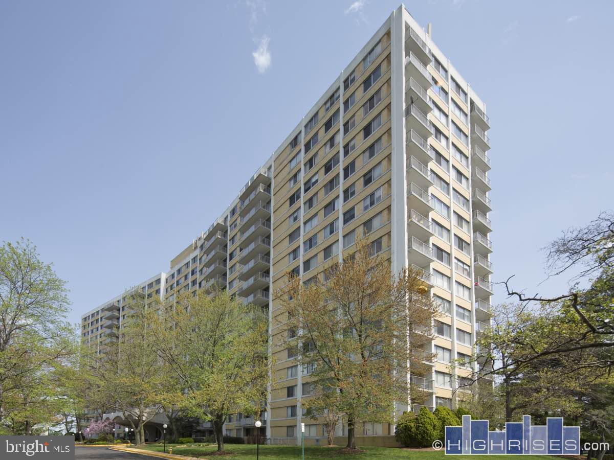 301 BEAUREGARD STREET, ALEXANDRIA, Virginia 22312, 2 Bedrooms Bedrooms, ,2 BathroomsBathrooms,Residential,For Sale,THE FOUNTAINS,BEAUREGARD,2,VAAX257870