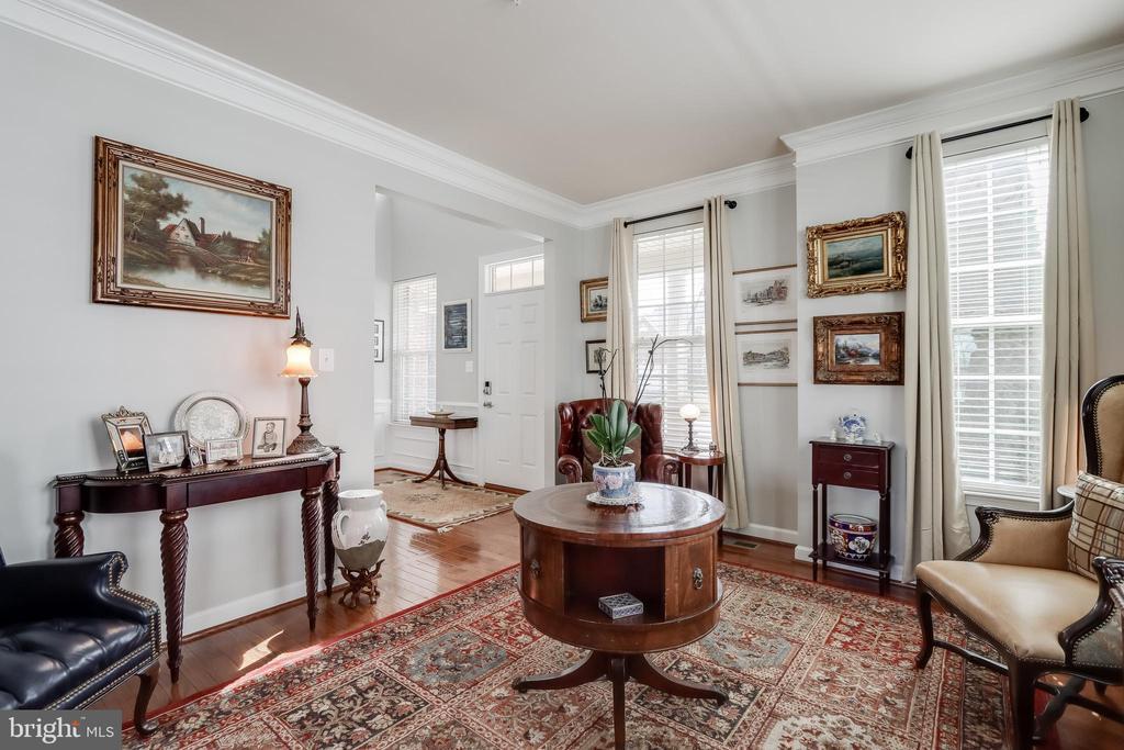 Living room/Study - 113 MAROON CT, FREDERICK