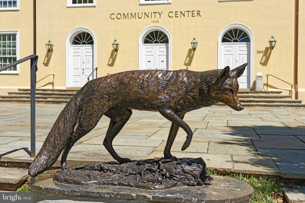 New fox sculpture in front of the community center - 21943 ST LOUIS RD, MIDDLEBURG