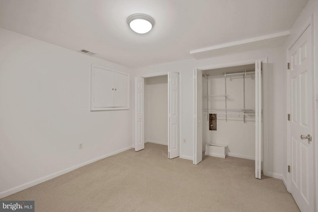 Separate room for extra office  or hobby room - 1306 MONROE ST, HERNDON