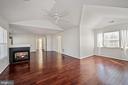 Bedroom side shows spacious nook - 1306 MONROE ST, HERNDON