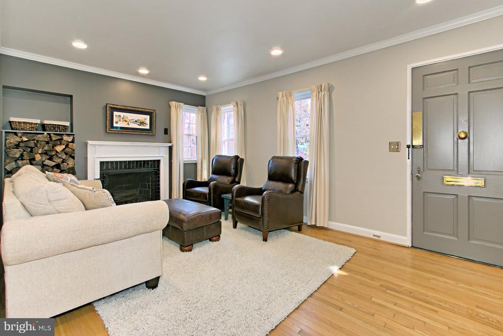 Living Room - 1201 SEATON LN, FALLS CHURCH