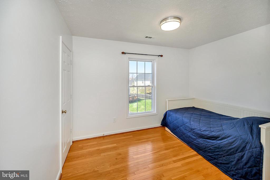 Bedroom 1 - 33 CARLSBAD DR, STAFFORD