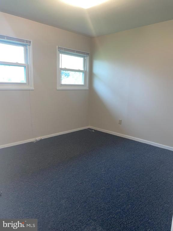 two of three bedrooms - 302 MANOR CT, FREDERICK