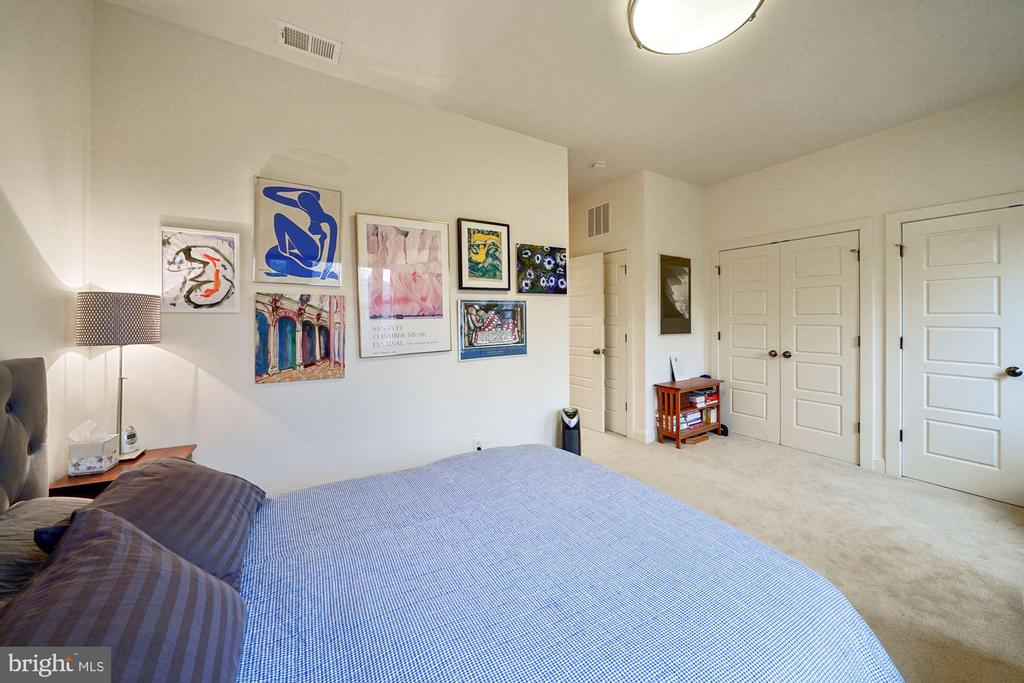 Owner's bedroom has 3 large closets - 3249 38TH ST NW, WASHINGTON