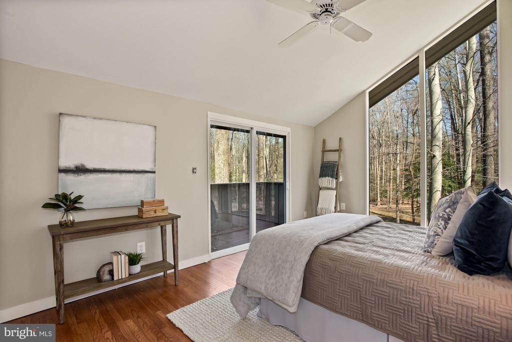 Master Bedroom with Balcony - 11510 SUBURBAN PL, FAIRFAX STATION