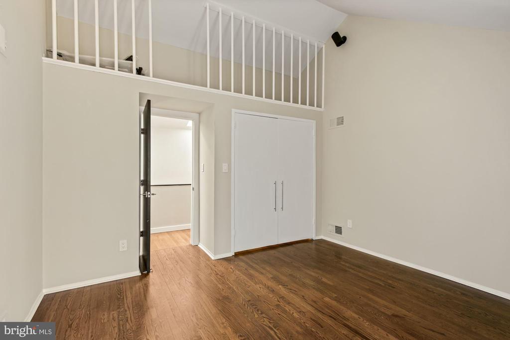 Bedroom 2 - 11510 SUBURBAN PL, FAIRFAX STATION