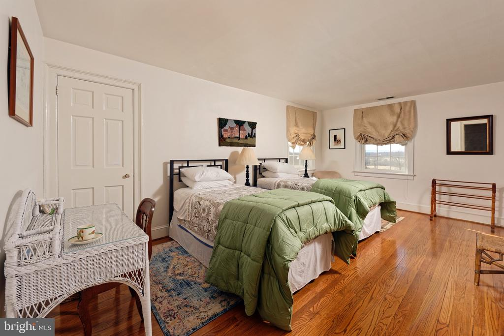Guest Bedroom #4 - 21943 ST LOUIS RD, MIDDLEBURG