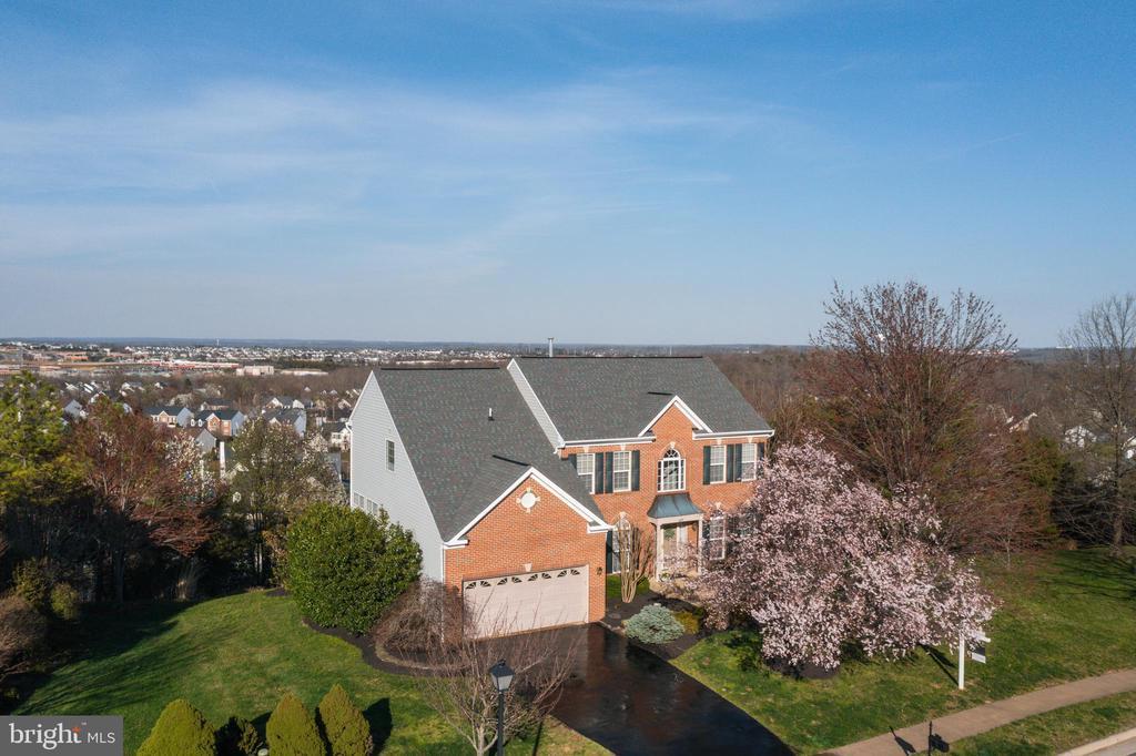 Stunning view of Leesburg - 620 SE CURTIN PL SE, LEESBURG