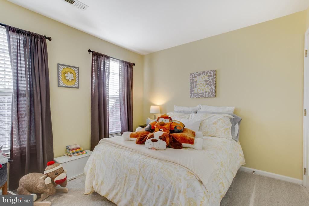 Large bedroom #2 - 620 SE CURTIN PL SE, LEESBURG