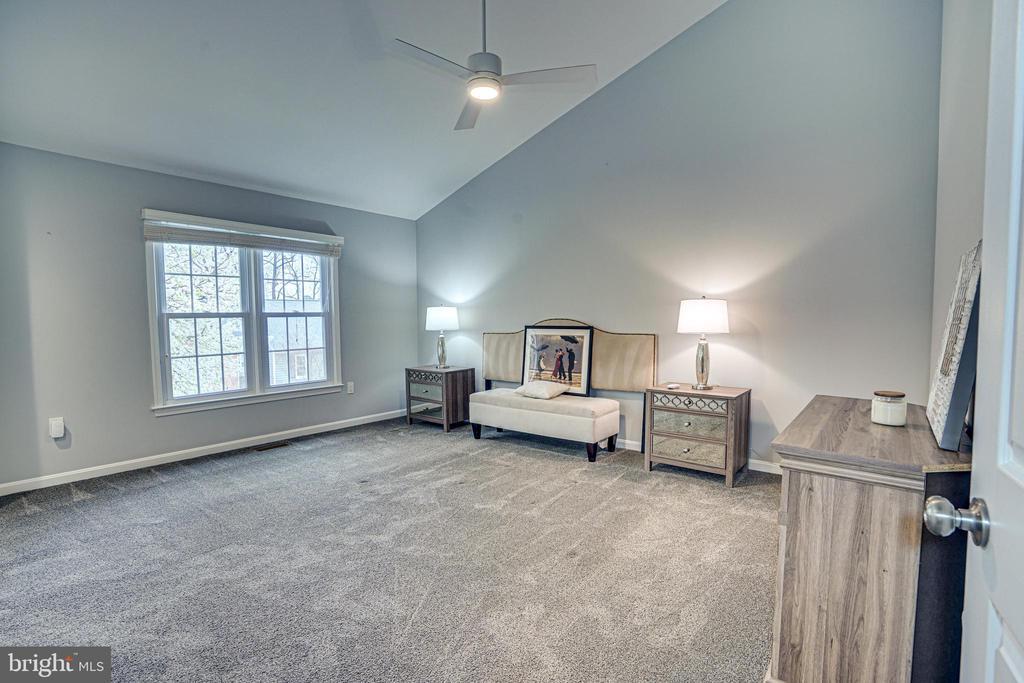 Primary Bedroom with ensuite Bath - 11811 GREAT OWL CIR, RESTON