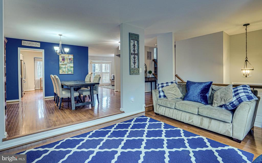 Living Room to Dining Room - 11811 GREAT OWL CIR, RESTON