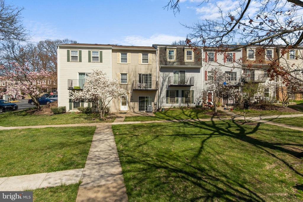 View of courtyard - 6350 FENESTRA CT #129A, BURKE