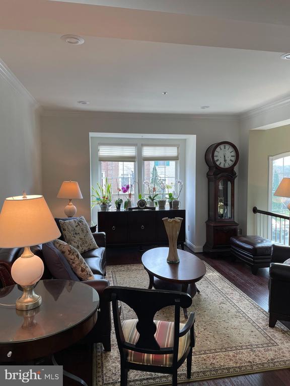 Living room - 2305 KENOSHA PL, SILVER SPRING