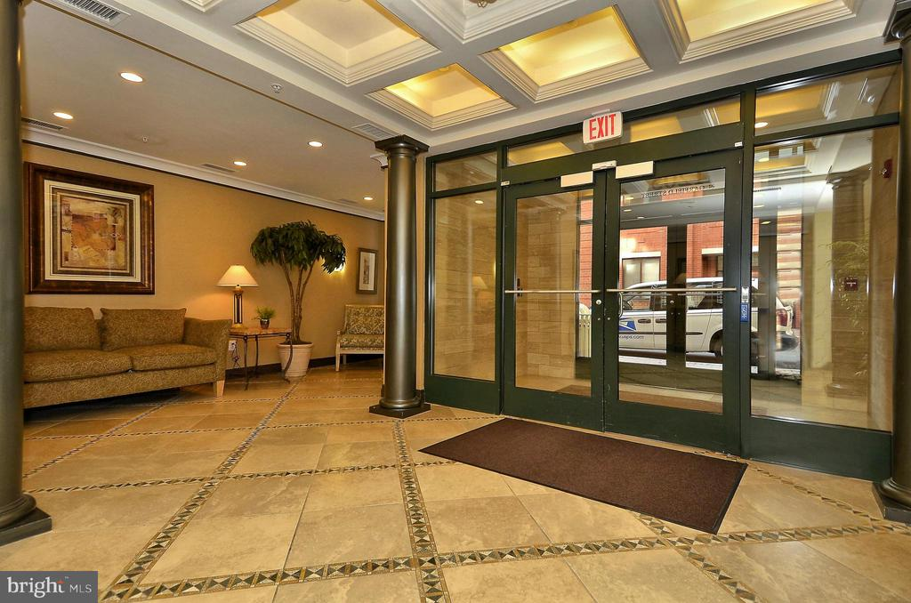 1205 Lobby - 1205 N GARFIELD ST #905, ARLINGTON