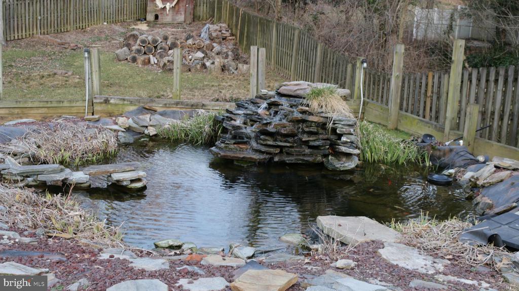 Koi pond - 8703 SUDBURY PL, ALEXANDRIA
