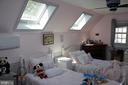 Third bedroom with skylights - 8703 SUDBURY PL, ALEXANDRIA