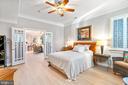 Apartment bedroom - 658 LIVE OAK DR, MCLEAN
