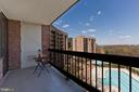 Beautiful balcony - 1805 CRYSTAL DR #810S, ARLINGTON