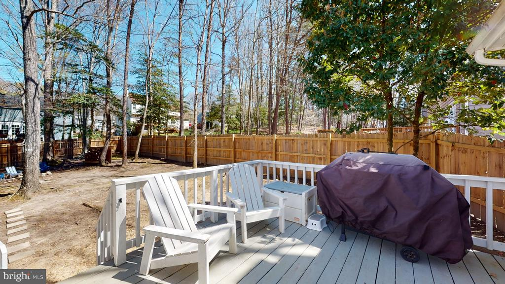 Entertain in Virginia's welcoming climate - 3014 MEDITERRANEAN DR, STAFFORD
