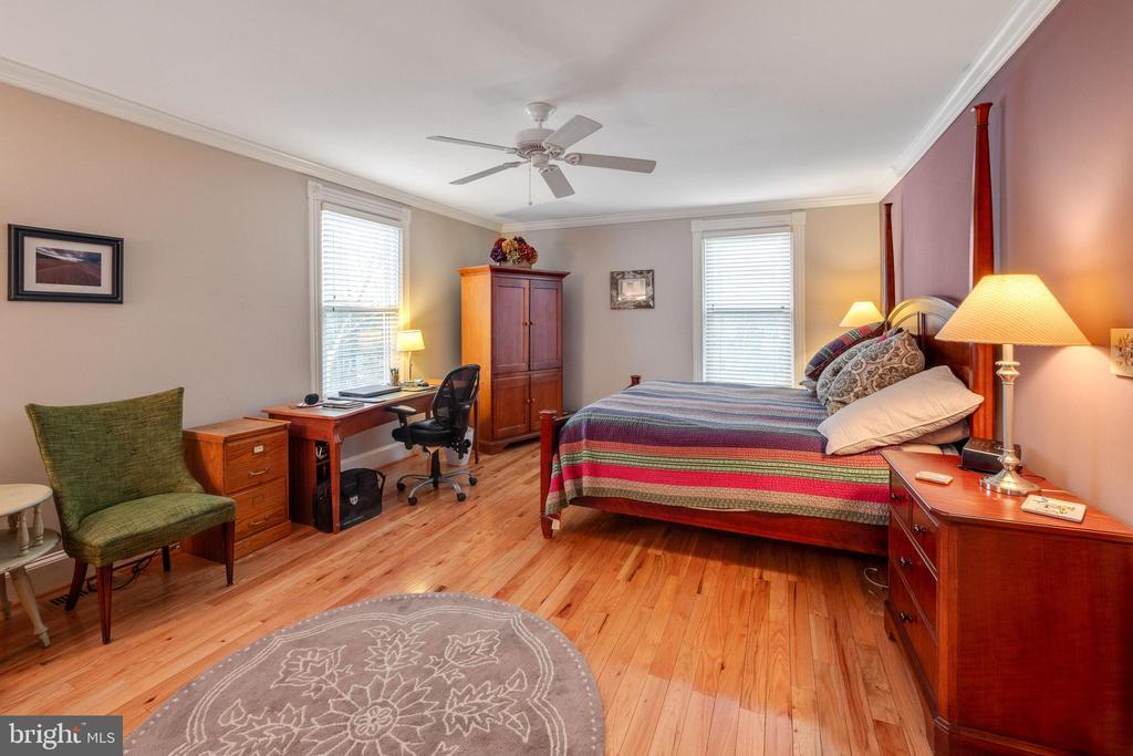 Master suite - 1244 MONROE ST NE, WASHINGTON