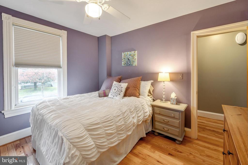 Lots of natural light in every room - 1244 MONROE ST NE, WASHINGTON