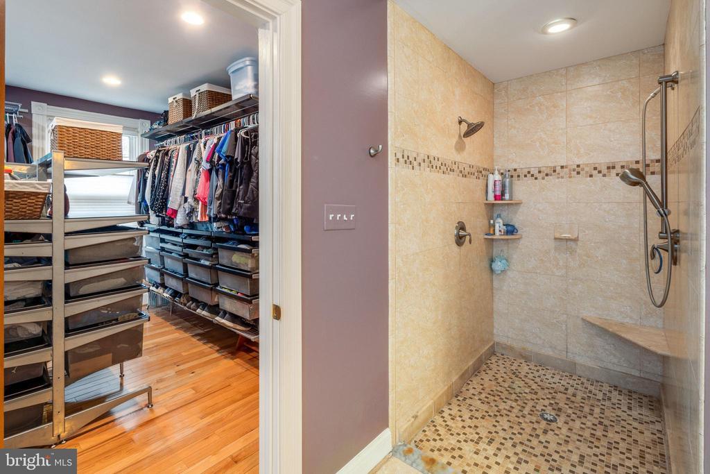 Walk in closet and large rainfall shower - 1244 MONROE ST NE, WASHINGTON