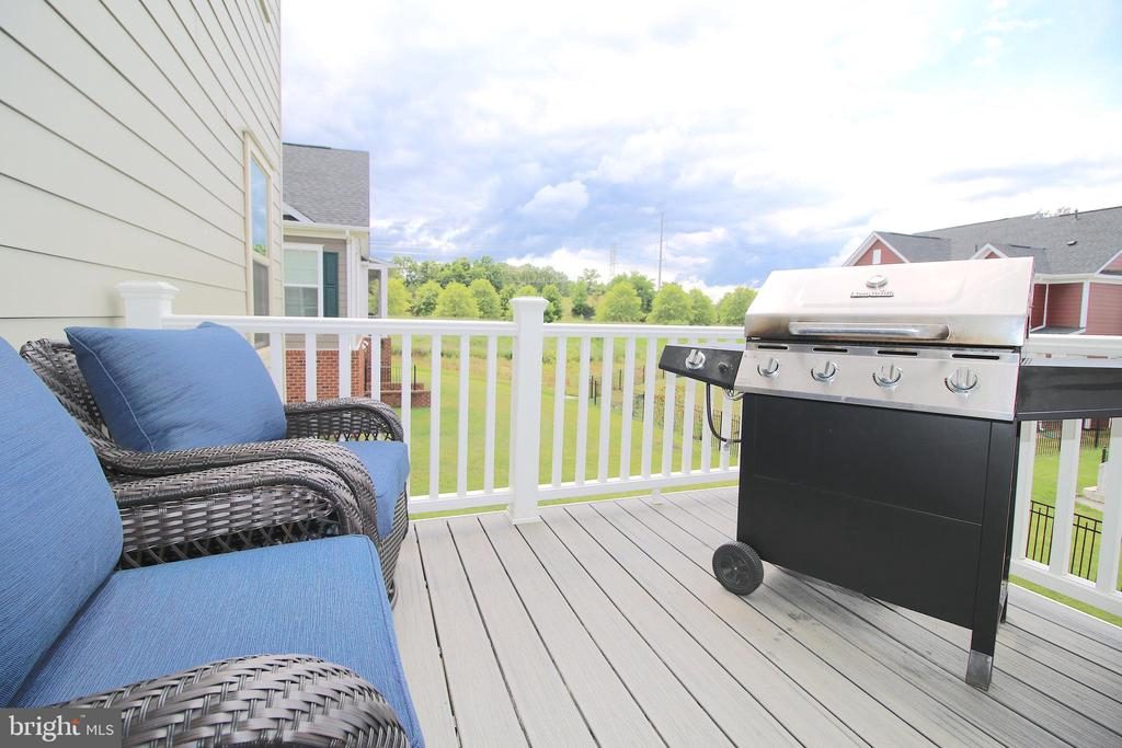 Composite Deck - 2532 SWEET CLOVER CT, DUMFRIES