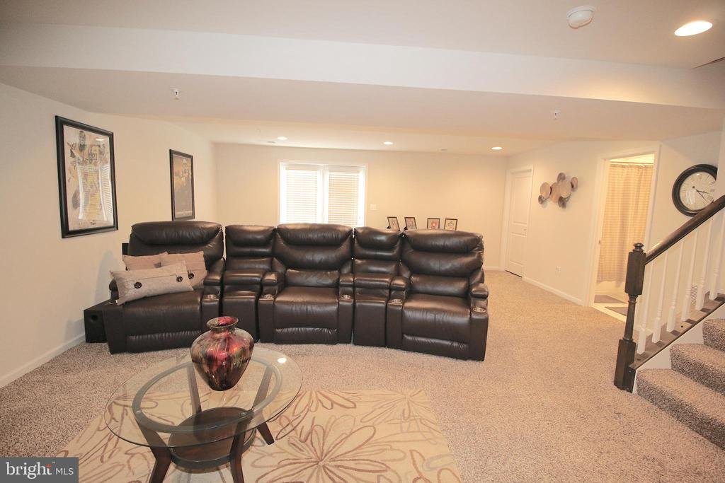 Large Rec-Room - 2532 SWEET CLOVER CT, DUMFRIES