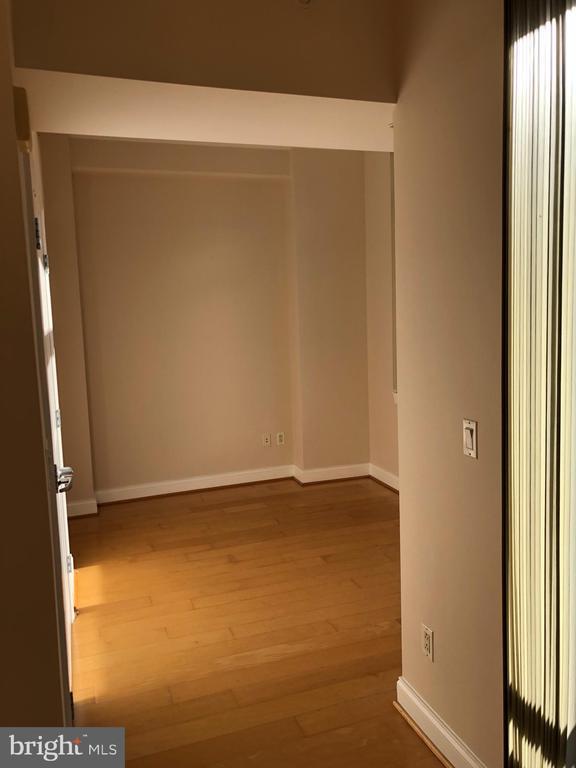 View into bedroom - 1020 N HIGHLAND ST #223, ARLINGTON