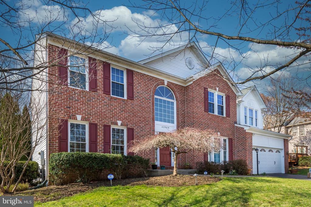 Welcome to 42969 Deer Chase Place! - 42969 DEER CHASE PL, ASHBURN
