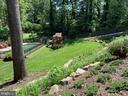 Professionally landscaped backyard - 8703 SUDBURY PL, ALEXANDRIA